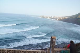 pohled na jeden z nejznámějších surf spotů na severu - Bajamar