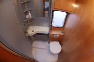 Koupelna (umyvadlo, sprcha, WC)